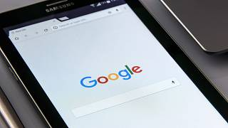 Google has threatened to remove its search engine from Australia