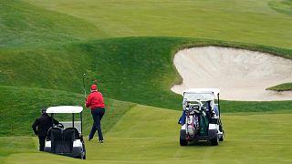 ترامپ در حال بازی گلف