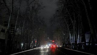 İran'da son haftalarda sık sık geniş kapsamlı elektrik kesintileri yaşanıyor