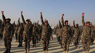 جنود أفغان في حفل تخرج في أكاديمية كابل. 2021/01/18