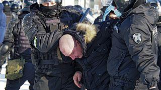 Rusya'nın Habarovsk kentindeki Navalny protestosunda göstericiler gözaltına alındı
