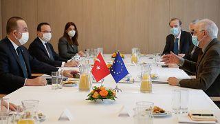 AB'den diplomatik kaynaklar, Mart ayından görüşülecek Türkiye yaptırımları konusunda temkinli davranmayı tercih ettiklerini ifade ediyor.