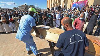 Libye : 10 nouveaux corps retrouvés dans une fosse commune