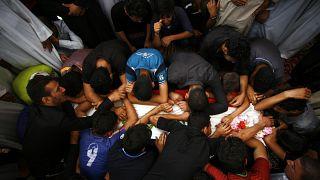 صورة من الارشيف-تشييع جنازة عناصر من قوات الحكومة العراقية ومقاتلين من الحشد الشعبي