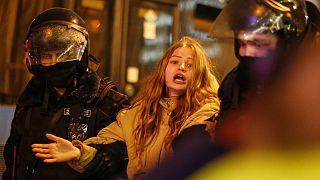 Protestwelle in Russland: Eine von über 3.000 Festgenommenen
