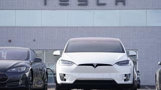سيارات تيسلا في ليتلتون، كولورادو. 2020/12/27