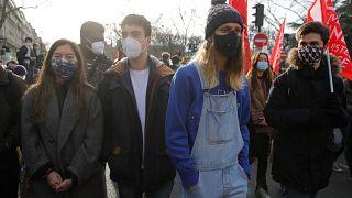 Estudiantes se manifestaron el 20 de enero de 2021 en París, Francia.