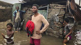Ciclone tropical Eloise destrói casas na Beira