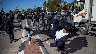 Confrontos entre a polícia e judeus ultra ortodoxos em Israel