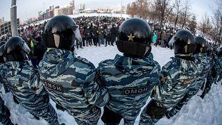 Сотрудники ОМОНа на акции протеста в Москве.