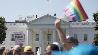 مظاهرة للمثليين أمام البيت الأبيض