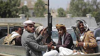 مسلحون ينتمون لجماعة الحوثي في اليمن