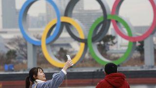 الحلقات الأولمبية في أودايبا البحرية طوكيو، اليابان.