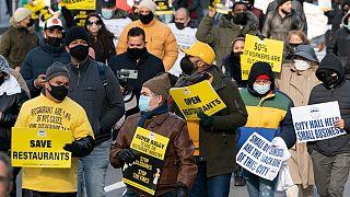 راهپیمایی رستوراندارن نیویورکی علیه محدودیتهای کرونایی