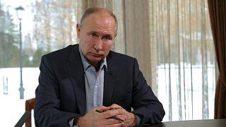 Rusya Devlet Başkanı Vladimir Putin, Karadeniz'de lüks bir saray sahibi olduğu iddiaları için 'montaj' dedi