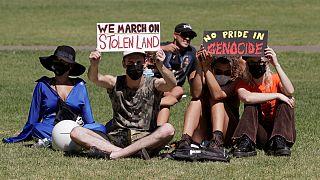 """شاهد: سكّان أستراليا الأصليون يتظاهرون في """"يوم الغزو"""" مطالبين بالعدالة"""