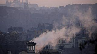 دراسة تؤكد أن تلوث الهواء يزيد خطر فقدان البصر الدائم