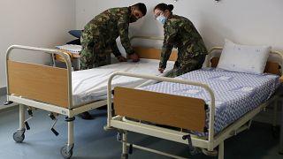 Das Militär hilft in den Krankenhäusern
