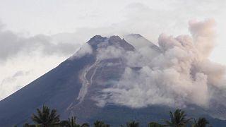 Ινδονησία: Νέα δραστηριότητα από το ηφαίστειο Μεράτι