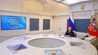 الرئيس الروسي فلاديمير بوتين مشاركاً في مؤتمر دافوس 2021