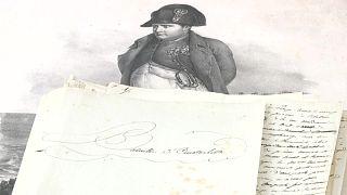 مخطوطة أثرية بيد الامبراطور الفرنسي نابليون