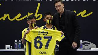 Mesut Özil bei der Vorstellung als neuer Spieler von Fehnerbahce Istanbul