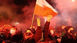 Polonya'da kürtaj yasasına tepki eylemleri