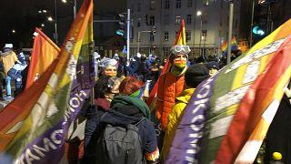 Nueva noche de protestas en Polonia contra la prohibición casi total del aborto