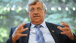 Archivbild: Walter Lübcke, Leiter des Regierungspräsidiums Kassel, im Gespräch mit Medienvertretern, Kassel, Deutschland, 25.06.2012
