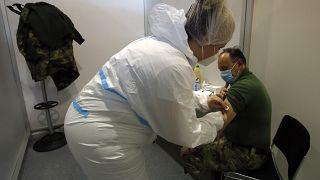صربستان اولین کشور اروپایی است که واکسن سینوفارم چین را خریده است.