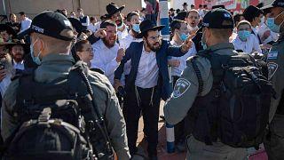 اليهود الأرثوذكس خلال احتجاج على قيود الإغلاق بسبب فيروس كورونا، إسدود، إسرائيل، الأحد 24 يناير/ كانون الثاني 2020