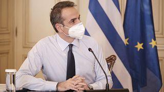 Ο πρωθυπουργός Κυριάκος Μητσοτάκης κατά τη σημερινή συνεδρίαση του υπουργικού συμβουλίου μέσω τηλεδιάσκεψης.