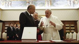 صورة من الارشيف - رئيس جمهورية العراق برهم صالح يستقبل البابا فرنسيس في لقاء خاص في الفاتيكان، كانون الثاني 2020