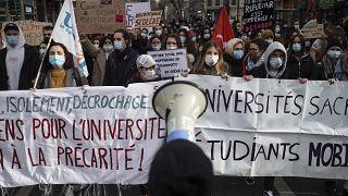Демонстрация студентов и учителей в Лионе в защиту условий жизни и учебы