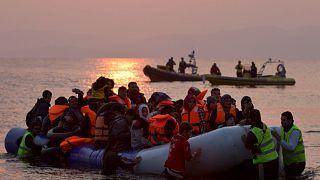 Yunan adalarına gelen mülteciler