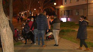 Vecinos de Granada pasan la noche en la calle por un nuevo terremoto