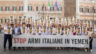 İtalya,, Suudi Arabistan ve Birleşik Arap Emirlikleri (BEA) ile varılan silah satış anlaşmalarını iptal etti.