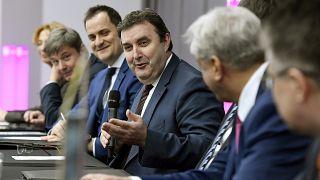 Rovó László rektor (balról a második) Palkovics László ITM-miniszterrel