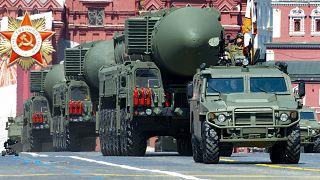 صواريخ نووية روسية خلال عرض عسكري في الساحة الحمراء