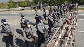 Myanmar güvenlik güçleri, genel seçimler sonrası güvenlik önlemlerini arttırmış durumda