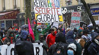 """Протесты против законопроекта """"О глобальной безопасности"""" во Франции"""