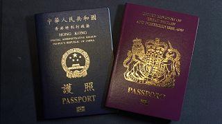 جواز سفر بريطاني وجواز سفر لمنطقة هونغ كونغ الإدارية الخاصة التابعة لجمهورية الصين الشعبية
