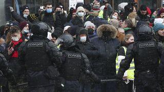Milhares descem às ruas para exigirem a libertação de Navalny