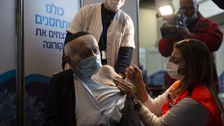 حملة التلقيح ضد كوفيد-19 في إسرائيل
