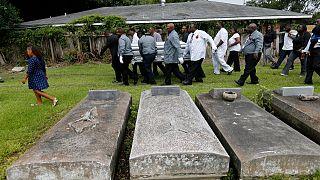 Siyahi polis şefinin naaşının 'Beyazlara ait' mezarlığa kabul edilmemesine tepki