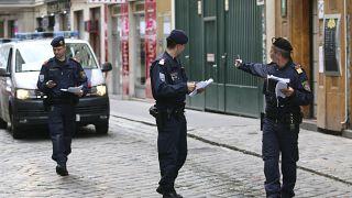 ضباط الشرطة النمساوية في فيينا.