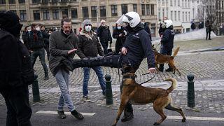 Tensão em manifestações contra medidas restritivas