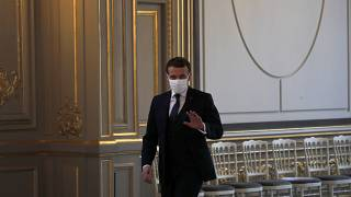 الرئيس الفرنسي إيمانويل ماكرون يحضر مؤتمرا عبر الفيديو في قصر الإليزيه في باريس. 2021/01/26