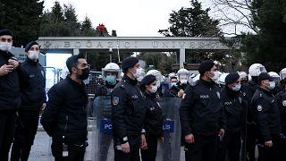 Boğaziçi Üniversitesi önünde güvenlik önlemleri