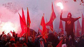 Una protesta contro il nuovo governo a Podgorica, Montenegro, lunedì 28 dicembre 2020